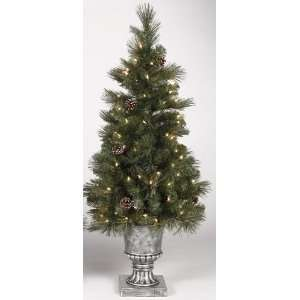 Spruce Potted Artificial Christmas Tree   Clear Lights