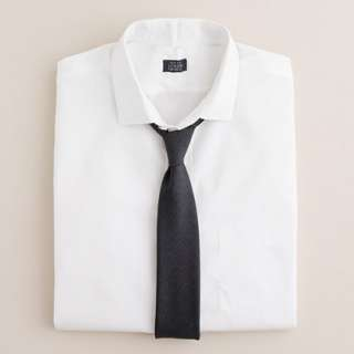Spread collar dress shirt in white   neck and sleeve dress shirts