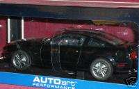 AUTO ART 2005 FORD MUSTANG BLACK 1/18 RARE